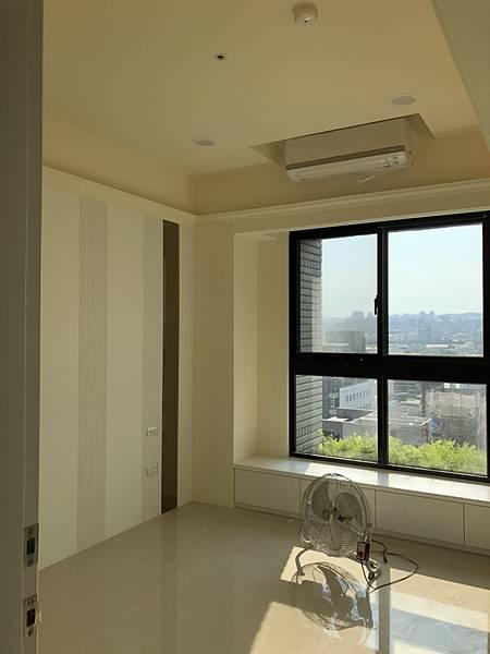 惠宇禮仁住宅設計 次臥室空間冷氣安裝完成.jpg