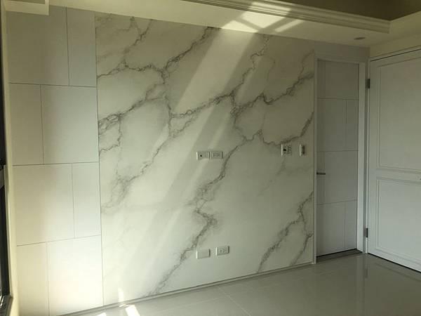 惠宇禮仁住宅設計 主臥室電視牆清潔完成紀錄.jpg