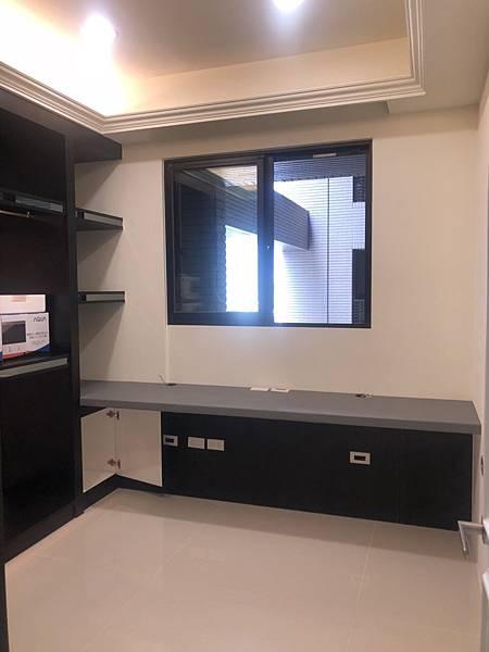 惠宇禮仁住宅設計 更衣室空間清潔完成紀錄 (2).jpg