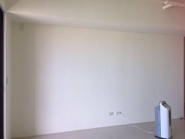 惠宇澄品 客廳空間電視牆丈量紀錄.jpg