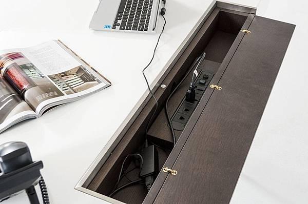 書桌設計-系統櫃設計-收納線盒 (3).jpg