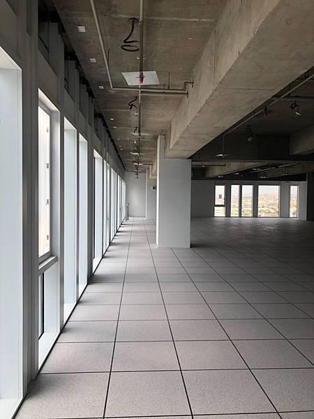 台中軟體園區辦公室設計 室內空間丈量紀錄 (2).jpg