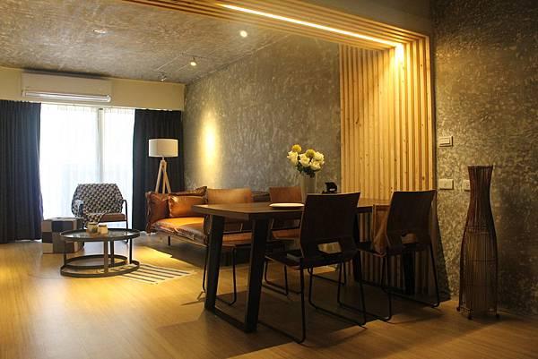 台中舊屋翻新客廳設計.JPG
