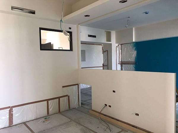 台中室內裝潢設計-系統櫃進場 (5).jpg