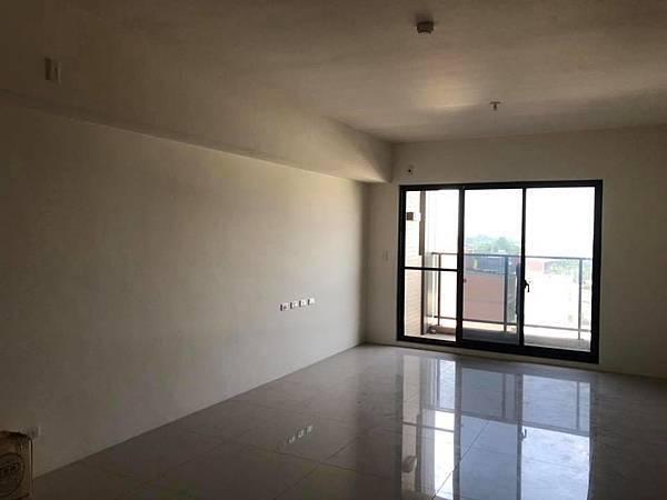 登陽穗悅住宅設計 客廳電視牆丈量紀錄.jpg