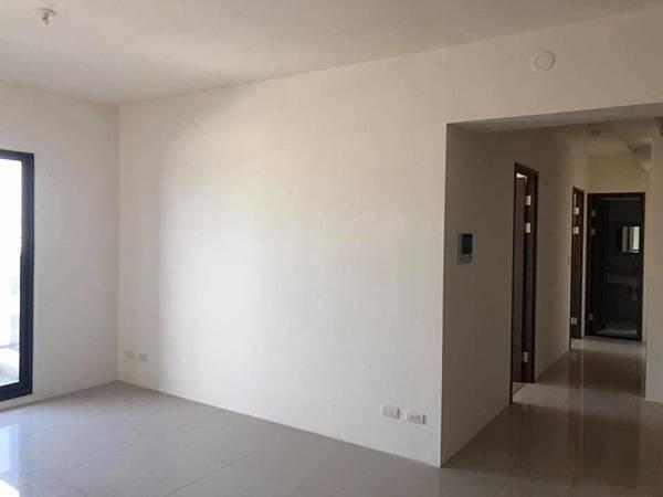 登陽穗悅住宅設計 客廳沙發背牆丈量紀錄.jpg