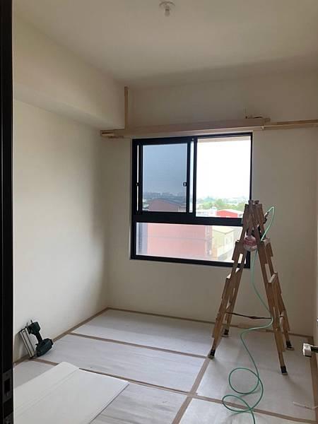 登陽穗悅室內設計 次臥室一空間天花板角材結構施工中.jpg