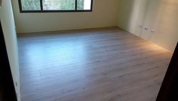 太和安縵住宅設計 次臥室空間地板防護拆除.jpg