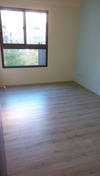 太和安縵住宅設計 次臥室空間地板初步清潔施工 (2).jpg