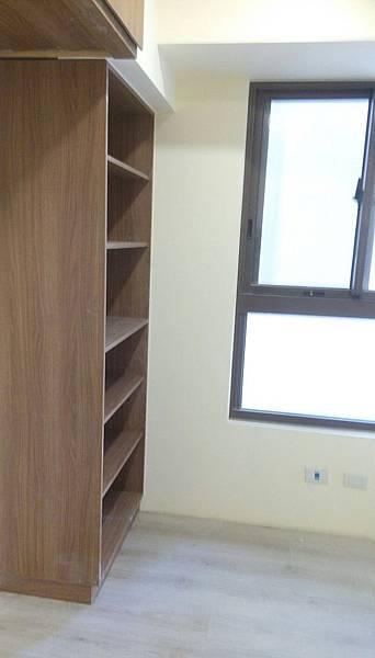太和安縵住宅設計 更衣室空間地板防護拆除及初步清潔.jpg