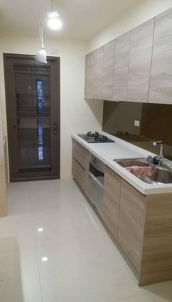 太和安縵住宅設計 廚房空間地板防護拆除及清潔.jpg