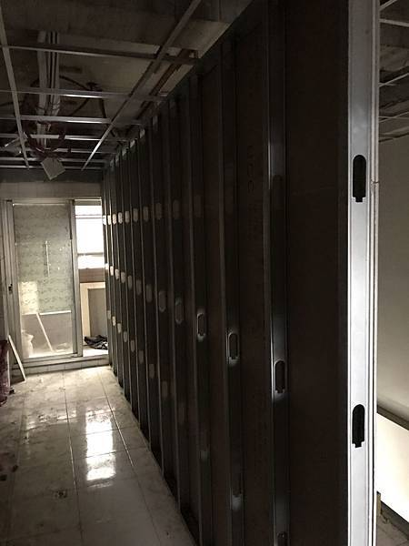 休息室輕鋼架結構施工進度紀錄.jpg