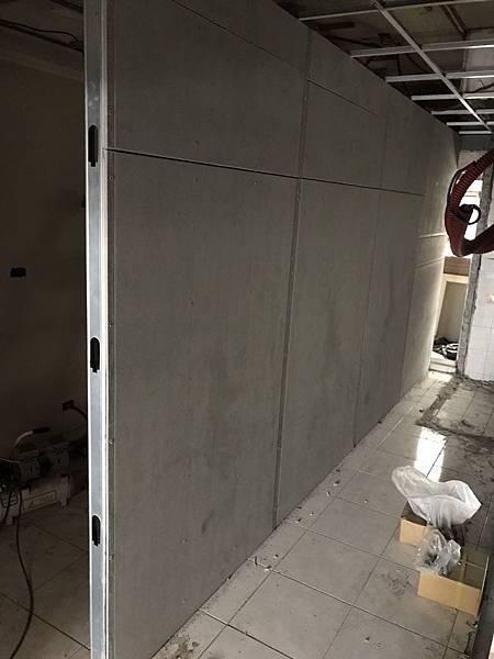 無障礙廁所石膏板單面瘋板施工紀錄.jpg