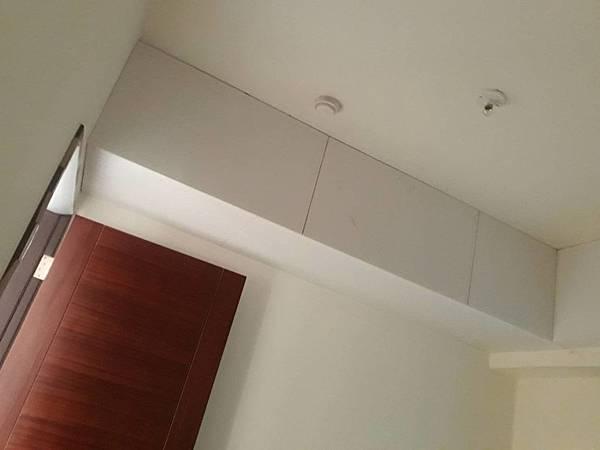 次臥室空間天花板矽酸鈣封版3.jpg