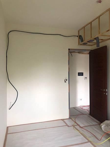 惠宇新觀室內設計 女孩房空間天花板預留床頭插座施工紀錄.jpg