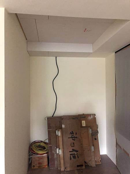 惠宇新觀室內設計 玄關空間天花板矽酸鈣封板 水電預留燈具線路施工.jpg