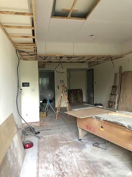 惠宇新觀室內設計 客廳空間水電燈具線路延伸施工.jpg