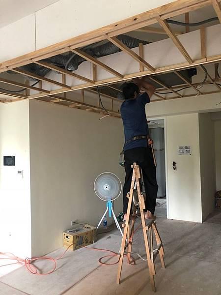 惠宇新觀室內設計 餐廳空間天花板燈具配線施工紀錄.jpg
