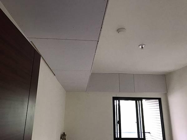 惠宇新觀室內設計 女孩房空間天花板矽酸鈣封板完成.jpg