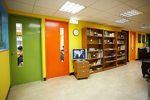 歐協語文中心新學校-西班牙文,法文,德文,葡萄牙文,義大利文,俄文