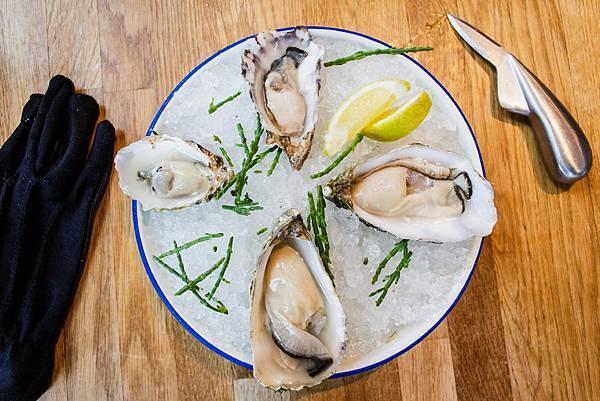 louis-hansel-restaurant-photographer-RIjBIE4sjwE-unsplash.jpg