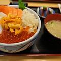 朝市_五色丼