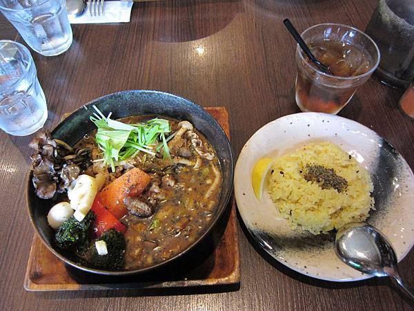 GARAKU湯咖哩-豬肉野菇.JPG