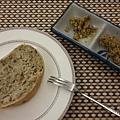 05_手製麵包佐榛果橄欖油醬.jpg