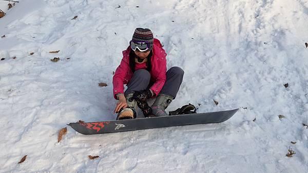 05.套上滑雪板.jpg