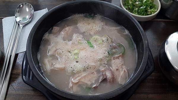 09.午餐-豬雜湯.jpg
