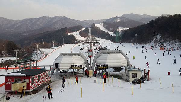 15.滑雪場一隅.jpg