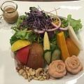 燻鮭魚蔬果沙拉.JPG