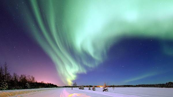 aurora-borealis-1181004.jpg