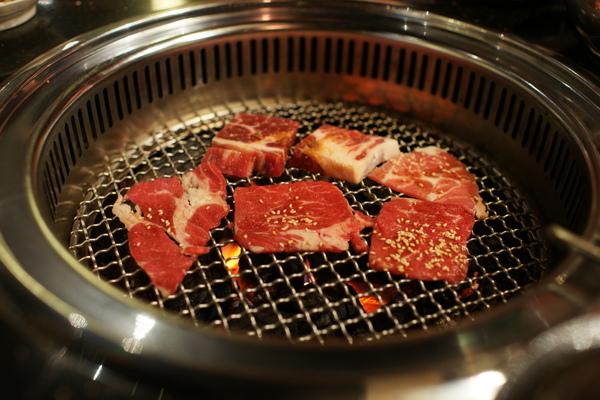 2009-10-31-石頭燒烤004.JPG
