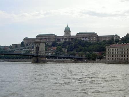 多瑙河畔   鎖鏈橋   舊皇宮.JPG