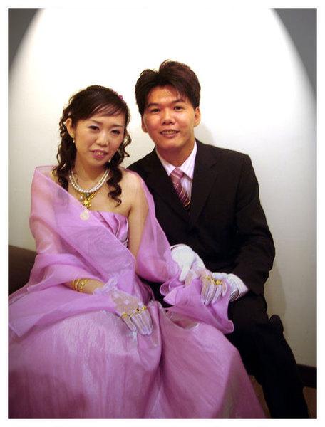 新娘小貞跟新郎