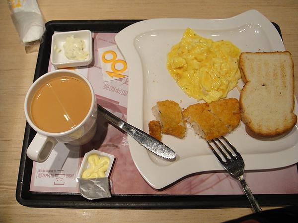 20100605AM0936如預期我們又到大家樂吃早餐去.JPG