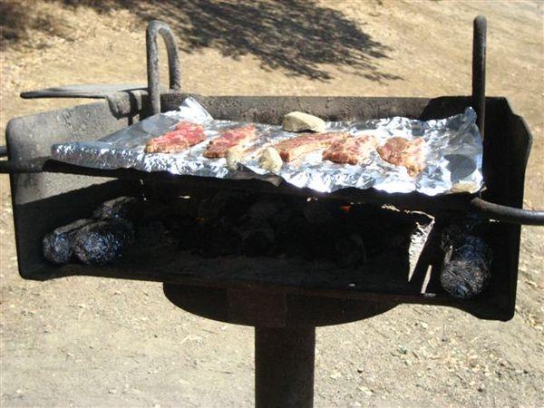 我們想用太陽光烤肉