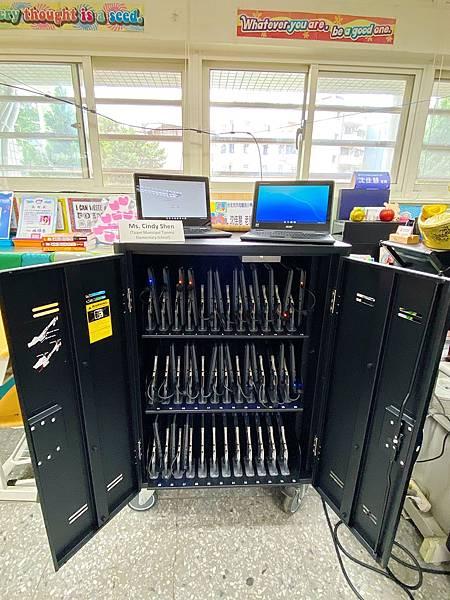 Chromebook 2.jpg