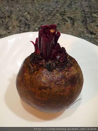 鬆軟紅菜頭特濃朱古力忌廉蛋糕