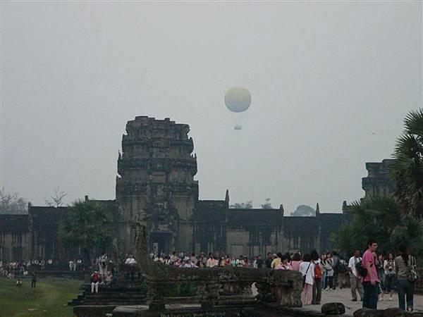 12坐熱氣球看日出好像也不錯勒.JPG