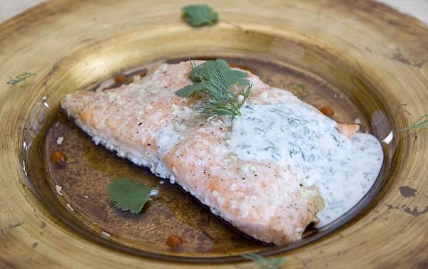 烤鮭魚佐蒔蘿優格醬-1