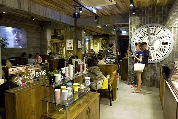 Caffe Bene台北忠孝店-15