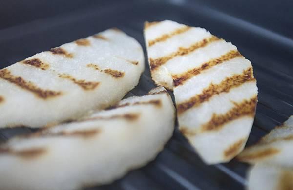 煎梨馬茲瑞拉麵包小點-4