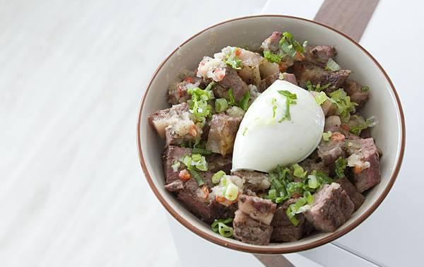 極黑牛排佐酸辣蘿蔔泥丼飯 - 1