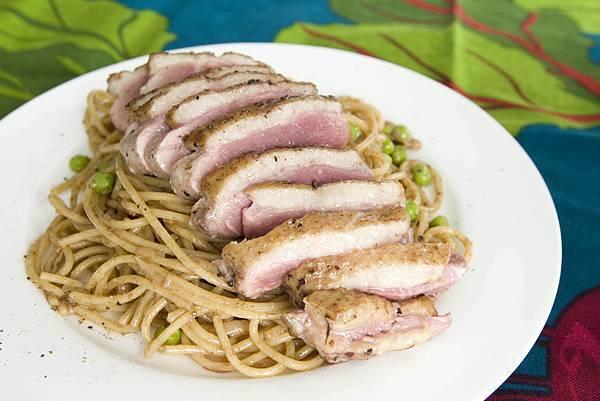 香煎鴨胸佐巴薩米可奶油醬義大利麵-2