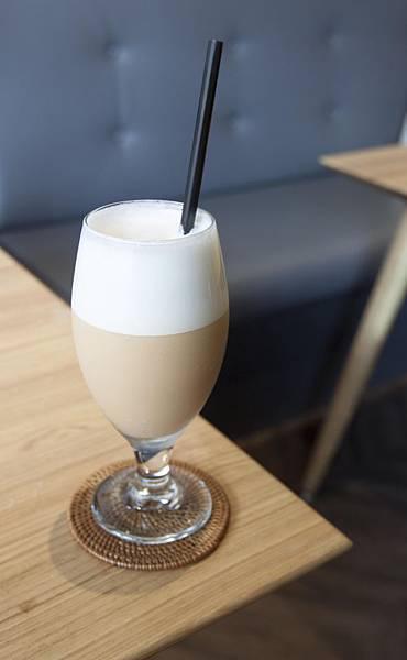 ISAAC CAFE - 1