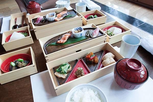 HOSHINOYA Meals - 12