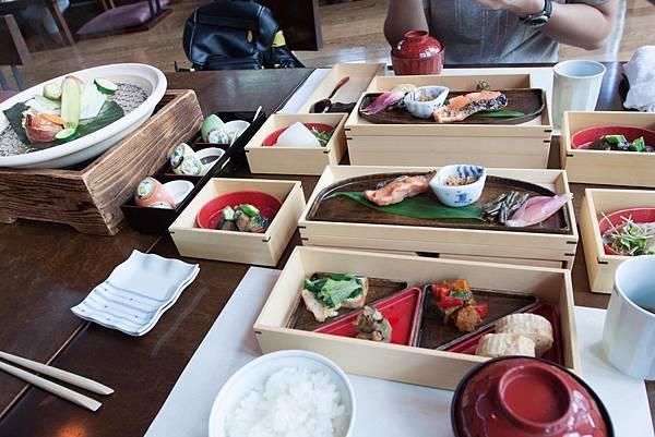 HOSHINOYA Meals - 3