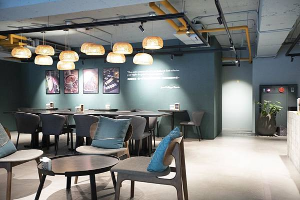 Darcis Cafe - 3.jpg